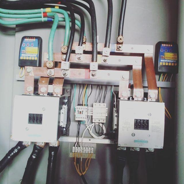 Instalación y puesta en marcha de sistema de transferencia de electrógeno de 169 kVA.