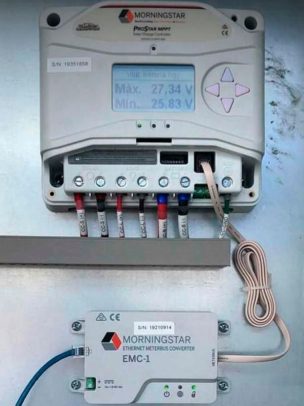 Controlador de carga con monitoreo en línea