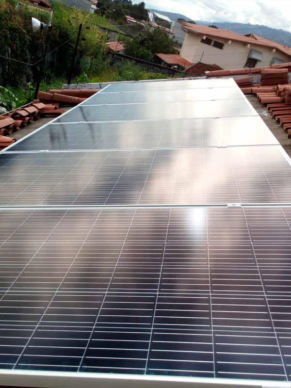 paneles solares en techo